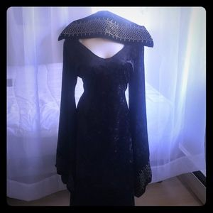 Halloween Medieval Maiden Hooded Costume